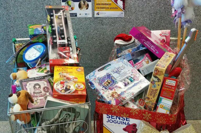 Últim dia per portar joguines a la Piscina, que col·labora amb la campanya de la Creu Roja