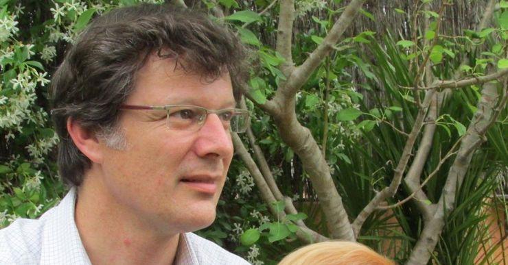 Jordi Juvé presenta a Can Gallissà la seva primera novel·la, 'La mort de l'Abat', basada en fets reals