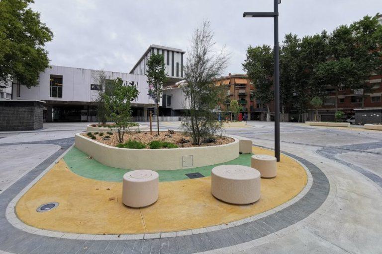 Unes lletres escultòriques amb el nom de Lloret cridaran l'atenció a la plaça Pere Torrent