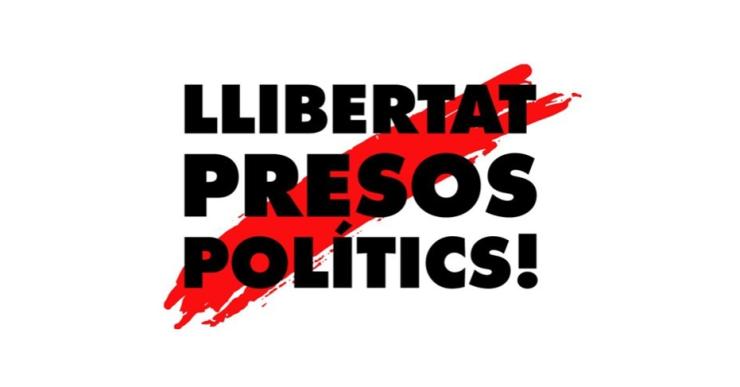 ERC i Junts per Lloret volen una pancarta amb el lema 'Llibertat Presos Polítics'a la façana de l'Ajuntament