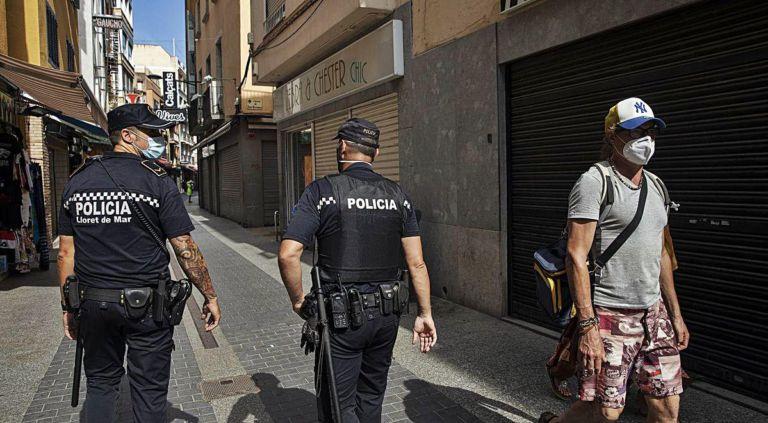 La policia local fa tancar tres locals de Lloret per superar l'aforament permès