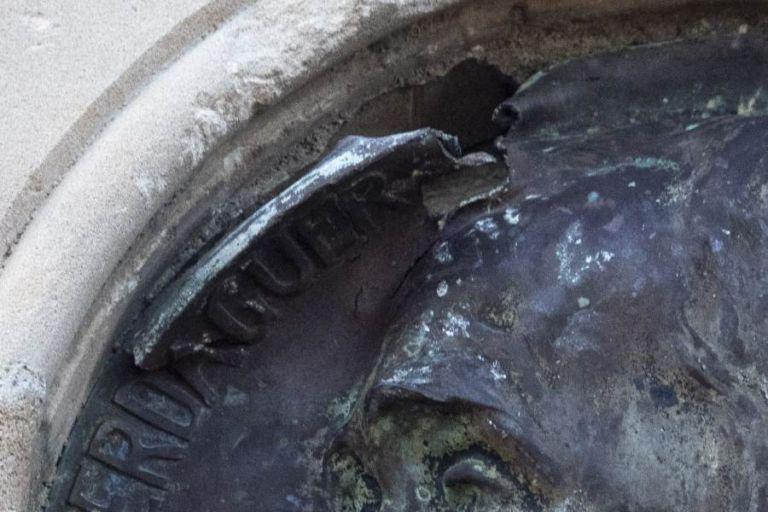 Lloret en Comú reclama que es restauri el medalló dedicat a Verdaguer