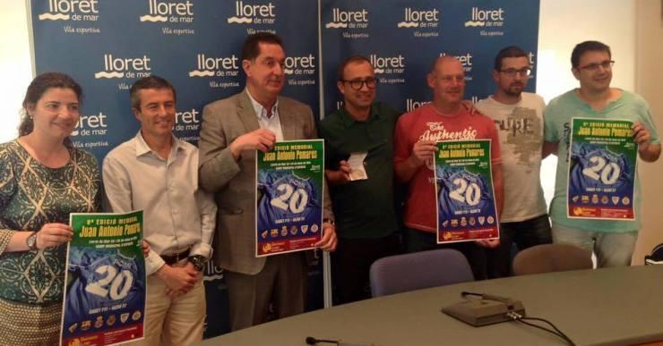 L'alcalde entrega la medalla de Lloret al Memorial Pomares