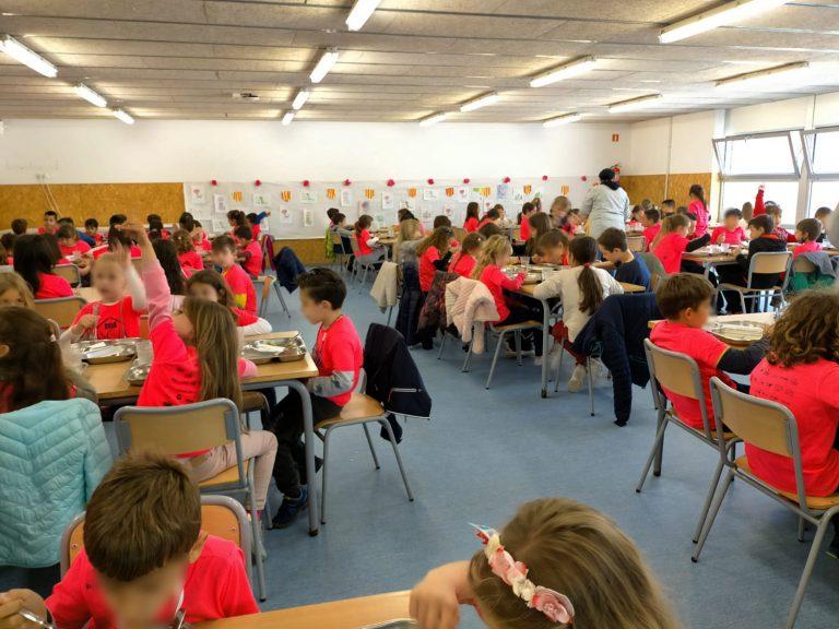 Les famílies del Pompeu Fabra, l'Àngels Alemany i l'institut escola gestionaran el servei de menjador escolar