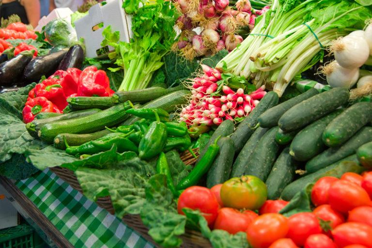 El Mercat Setmanal torna a obrir aquest dimarts, però només amb les parades d'alimentació