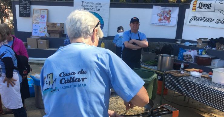 La Casa de Cúllar reparteix 'migas granaínas' solidàries a unes 300 persones