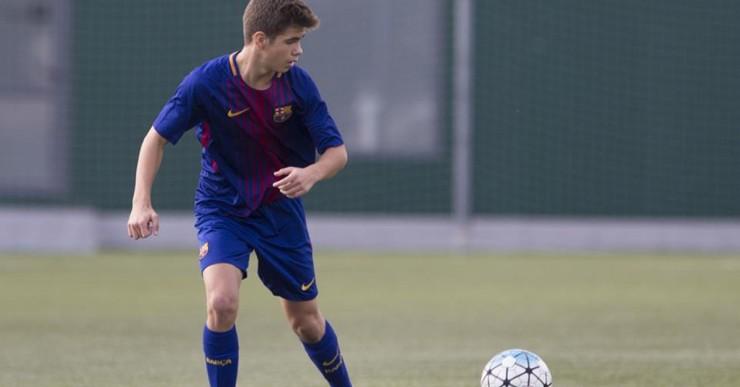 El lloretenc Miki Juanola signa un contracte professional amb el Barça per seguir vinculat al club