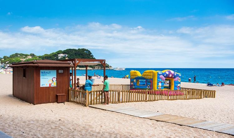Més de 12.000 usuaris han participat aquest estiu en el programa de dinamització de platges a Lloret