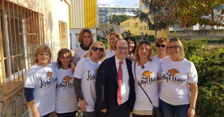 Miquel Iceta dona suport a les Kellys de Lloret de Mar, en una visita al municipi