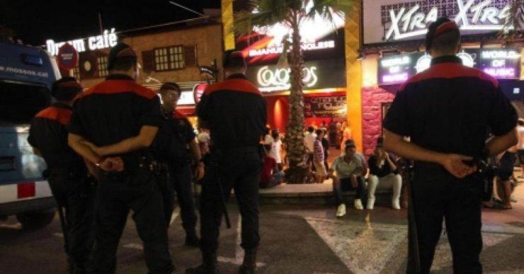 Detenen dos joves per un robatori amb violència i intimidació a la zona d'oci nocturn