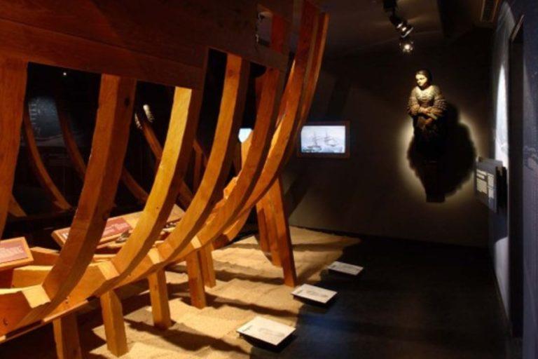 Visita guiada i vermut, al Museu del Mar