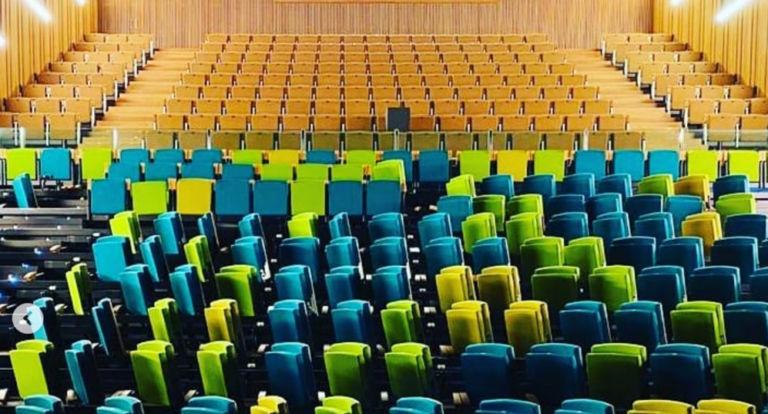 Es comencen a canviar les butaques del Teatre de Lloret