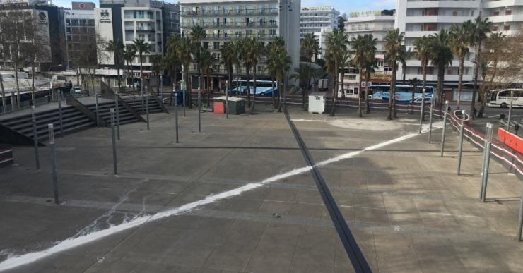 Ja han començat les obres de la plaça Pere Torrent, que han d'estar acabades a mitjan juny