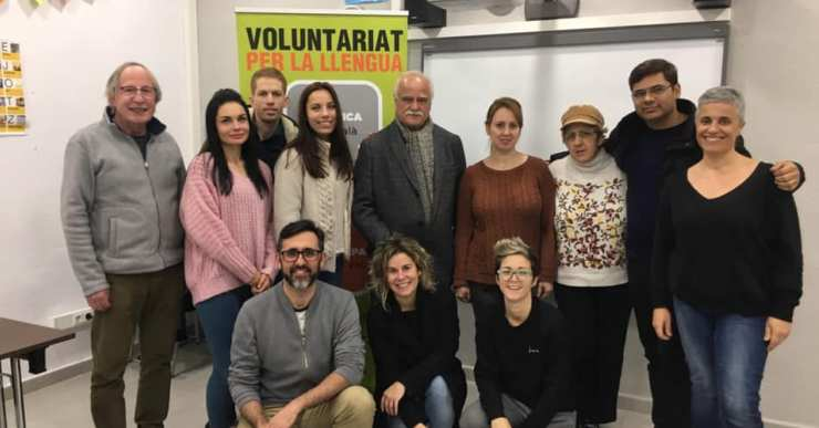 8 parelles lingüístiques i un trio a la nova campanya del Voluntariat per la Llengua