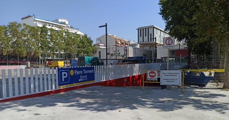 Reobert al públic l'aparcament de la plaça Pere Torrent