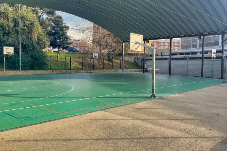 L'Ajuntament treballa per reubicar els clubs esportius afectats pel tancament dels pavellons