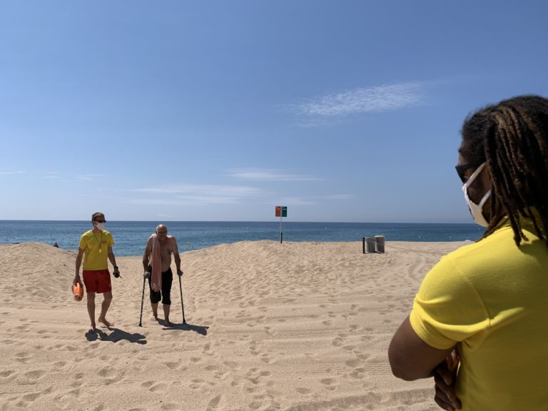 Lloret de Mar controla l'aforament de les platges amb càmeres per evitar aglomeracions