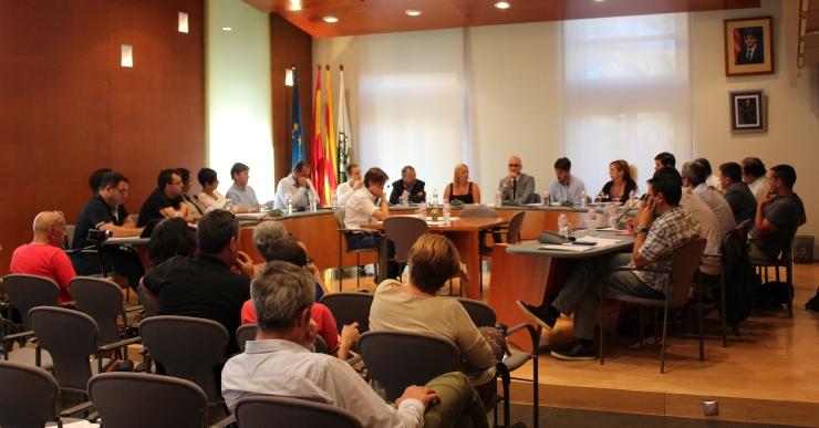 ICV – EUiA vol que les companyies de telefonia mòbil paguin per l'ús del sòl