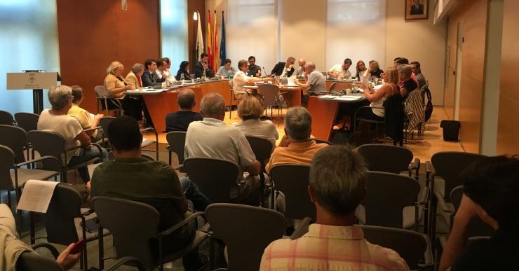 L'alcalde cessa el socialista Francisco Pastor del govern i entren els tres regidors d'ERC
