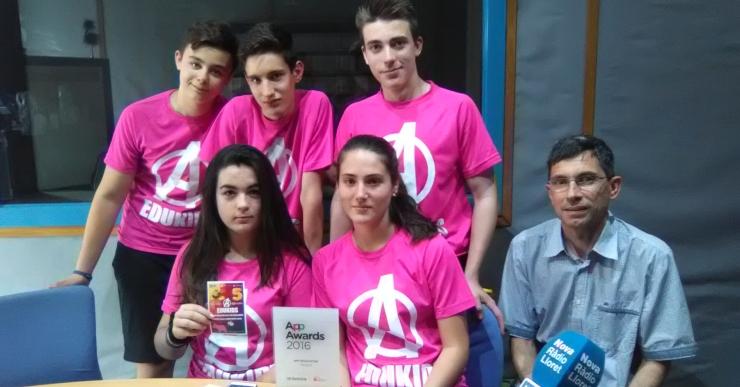 Cinc alumnes de la Immaculada guanyen un concurs per l'app 'Edukids'