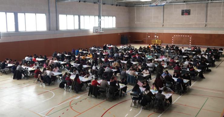 225 alumnes fan les proves Cangur de matemàtiques a Lloret de Mar