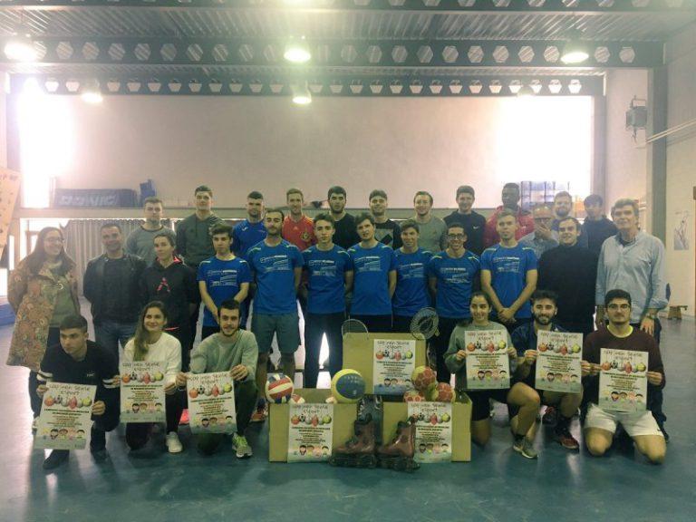 Els alumnes del Rocagrossa inicien una campanya solidària de recollida d'equipament esportiu