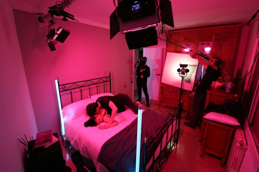El rodatge de l'escena de l'agressió sexual (Bustek Films)