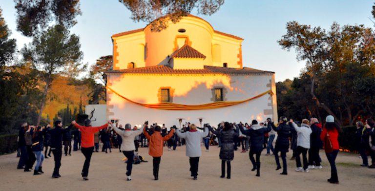 L'Obreria de Santa Cristina proposa rebre el 2019 ballant sardanes a la plaça del Pi
