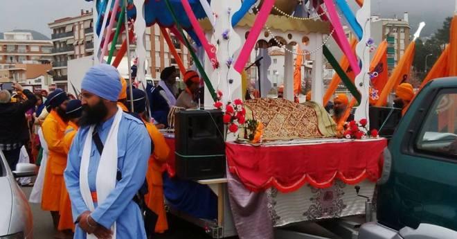 1.500 sikhs celebren la creació de la seva religió a Lloret