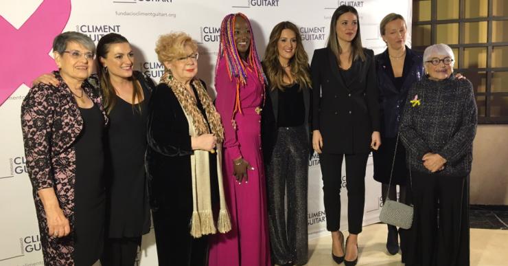 Lorena Gómez, Núria Feliu o Carina Mejías, entre les assistents al sopar de dones solidàries contra el càncer de mama