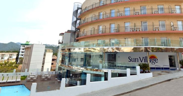 L'hotel Sun Village tenia punxada l'electricitat de manera fraudulenta