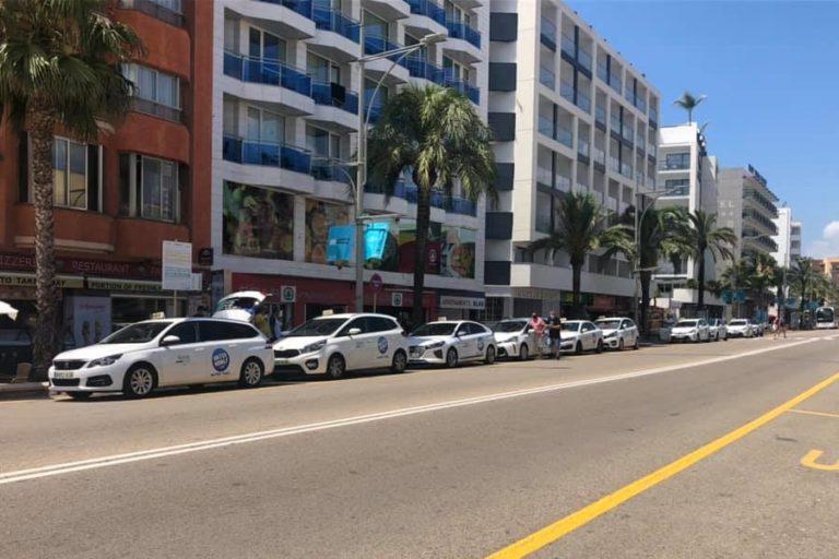 Cs demana una ajuda municipal de 600 euros per a cada taxista per la crisi de la Covid-19