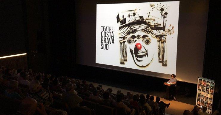 Amb l'objectiu de fidelitzar el públic, es creen 'packs' promocionals per al teatre