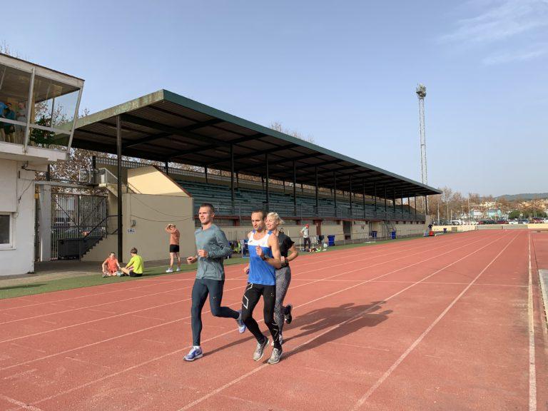 Una 50a d'esportistes de la selecció paralímpica d'atletisme d'Ucraïna s'entrenen a Lloret de Mar