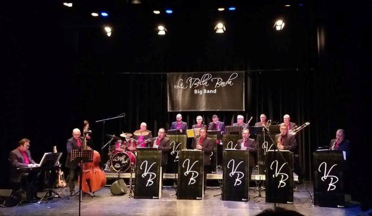 La VBella Banda actua a Lloret amb un repertori basat en el swing, jazz i versions més modernes