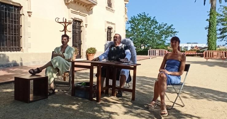Una nova i divertida visita teatralitzada permet conèixer les estàtues de Lloret