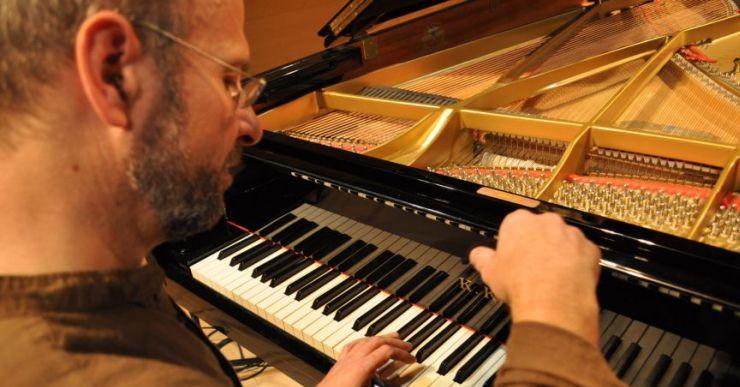'Divertiments per a piano', amb Xevi Compte, barreja música popular i clàssica