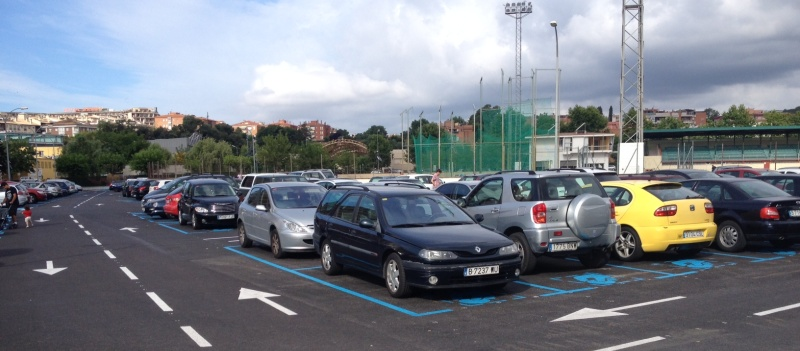 Totes les places d'aparcament de Cala Canyelles són zona blava